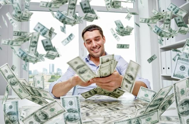 お金を持っている人
